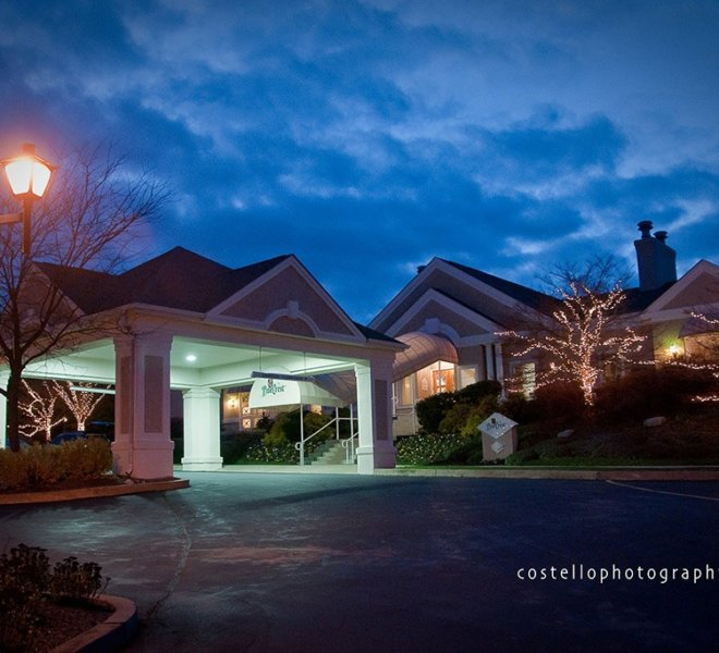 The driveway and entrance to PineCrest Country Club wedding reception and event spaces in Lansdale, PA