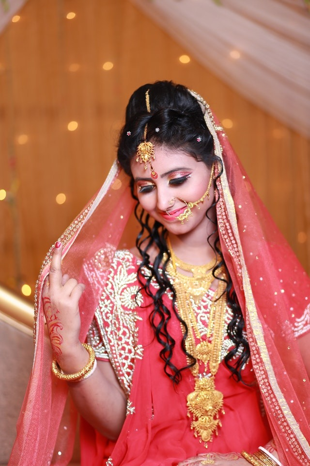 5 Hindu Wedding Traditions You Should Know