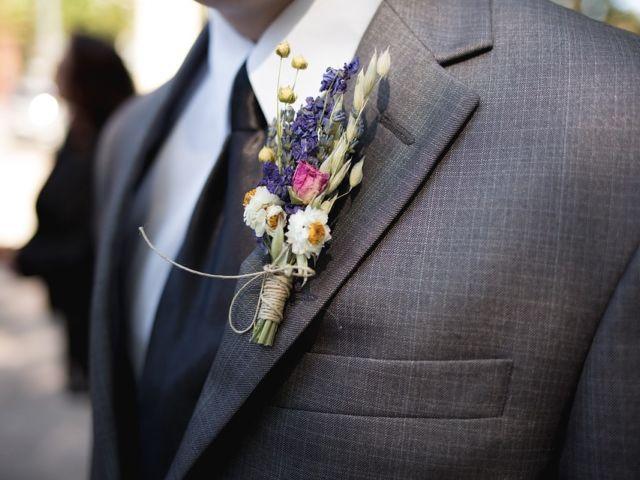 Boutonniere on a groomsman