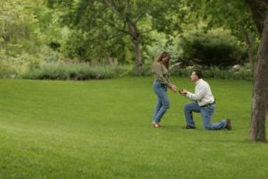 Engagement proposal in a green park