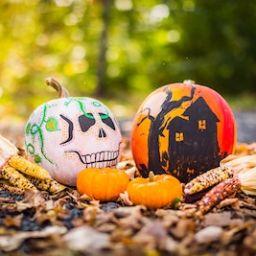 halloween-pumpkins-leaves